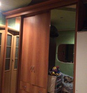 Шкаф трёхстворчатый с комодом