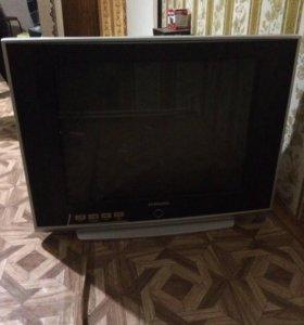 Телевизор Samsung в хорошем состоянии