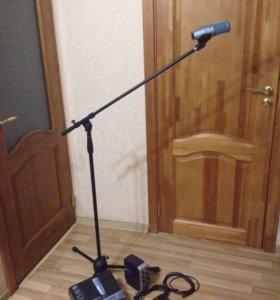 Звукозапись.Микрофон подставка регулятор и шнуры