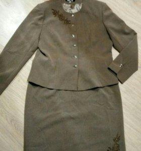 Костюм женский,юбка и пиджак 50-52 размер