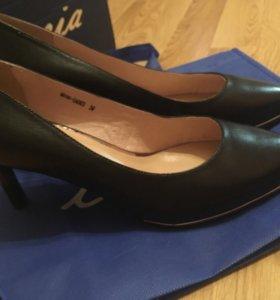 Туфли новые,натуральная кожа