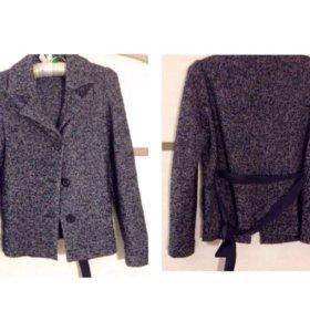 Новый базовый пиджак школьный для девочки
