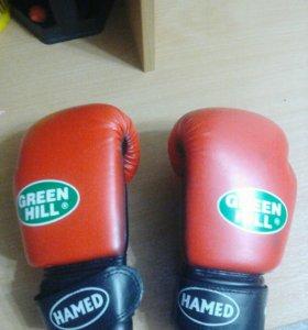 Перчатки боксерские возможна скидка