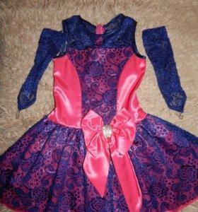 Продам очень красивое платье на девочку 5-6 лет!!!