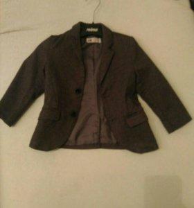 Продается пиджак на мальчикк