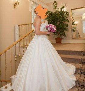 Свадебное платье + шубка + туфли