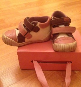 Ботинки (кроссовки) 21 размер