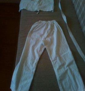 Кимоно белое , растовка 150 см.