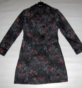 Джинсовое платье с принтом