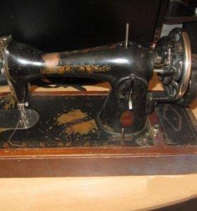 Машинка швейная Подольск 2 штуки