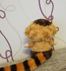 Мягкая игрушка обезьянка.