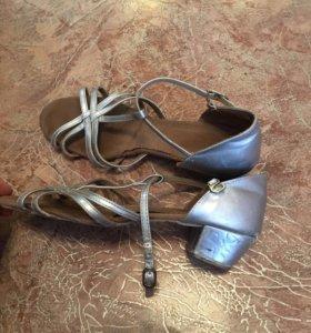 Бальные туфли Б/У 37 размер