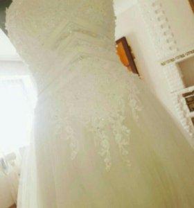 Свадебная платье