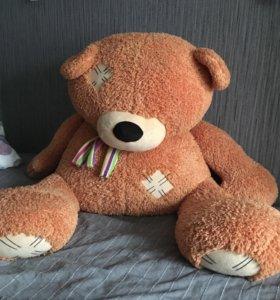 Медведь плюшевый 80 см