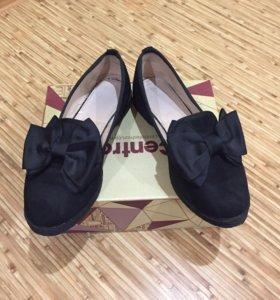 Женская обувь, стоимость указана за пару