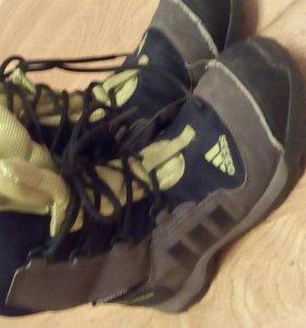 Ботинки adidas 34 размер.