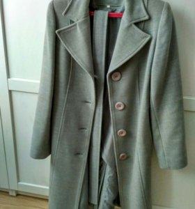 Пальто женское б/у. 42 р.