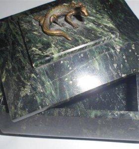 шкатулка из натурального камня, змеевик