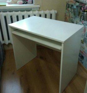 Новый письменный стол.