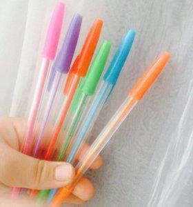Цветные ручки.