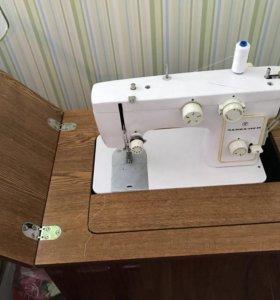 Машина швейная Чайка