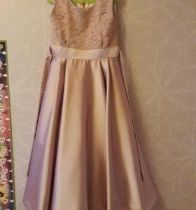 Шикарное платье на новогодний утренник размер 134