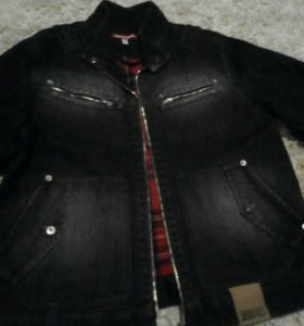 Джинсовая куртка на шерстяном подкладе.