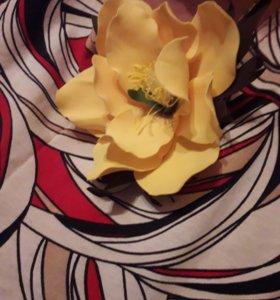 Веночки из фоамирана 1500р ,цветок-брошь 500р.