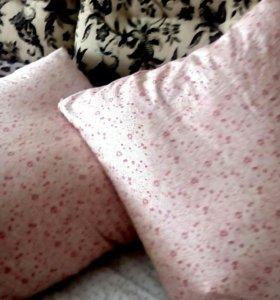 Пуховые подушки(утиный пух) 4 штуки