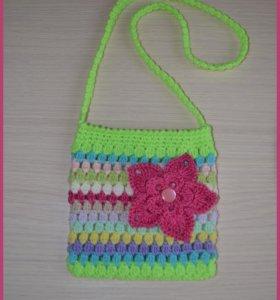 Яркие вязаные сумочки для девочек
