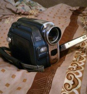 JVC GR-D93E - цифровая видеокамера