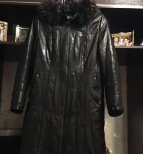 Кожаное пальто-дублёнка.48-50