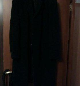 Пальто мужское.новое
