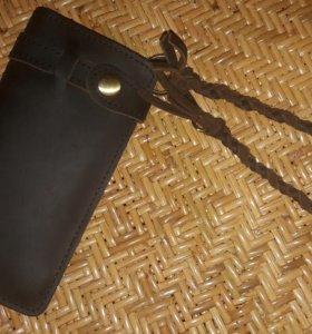 Новый из натуральной кожи бумажник