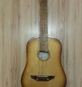 Гитара акустическая ( требует ремонта )