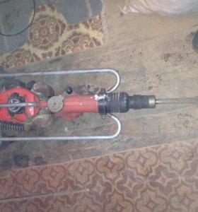 отбойный бензомолоток
