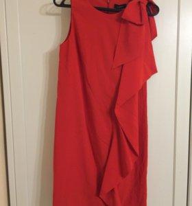 Платье красное с воланом