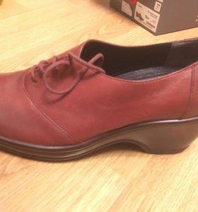 Туфли кожаные , новые