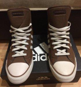 Adidas кроссовки демисезонные.