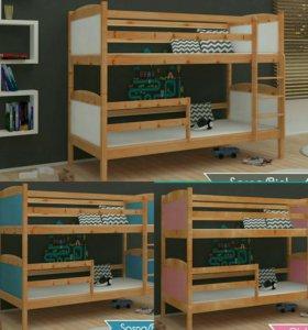 Кровать деревянная двухъярусная с матрасами
