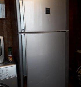 Холодильник шарп 2×камерный б/у