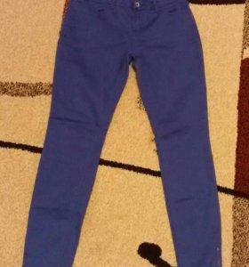 Продам синие джинсы