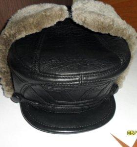 Меховую шапку