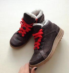 Новые ботинки Quechua