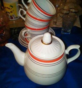 Набор фарфор СССР чайник, три чайные пары винтаж