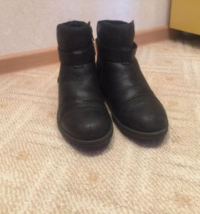 Ботинки зимние.