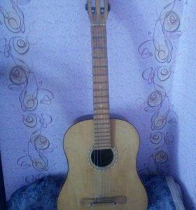 Гитара классика и сруны запасные