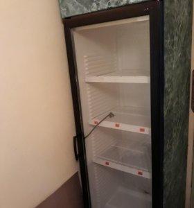 Холодильник ветринный.