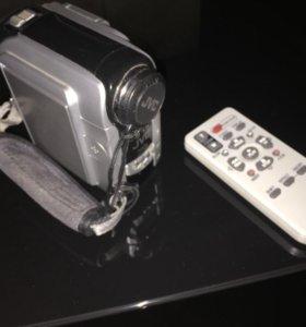 Цифровая видеокамера JVC GR-DX28