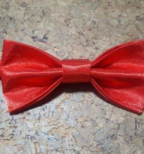 Бабочка-галстук мужская красная атласная
